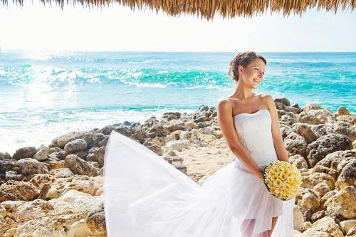 De ce sa porti o rochie scurta la nunta